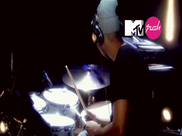 Can't Say No - Live (MTV PUSH Exclusive)