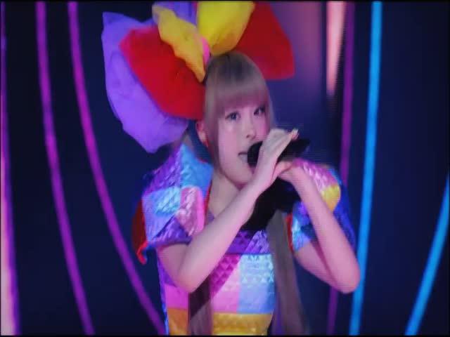 Tsukema Tsukeru - Kyary Pamyu Pamyu, Live in Tokyo, Japan, 2012