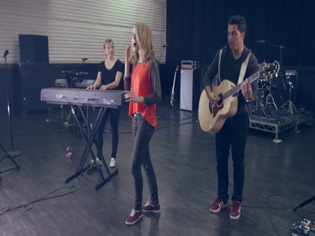 MTV PUSH: Bridgit Mendler - Hurricane Live