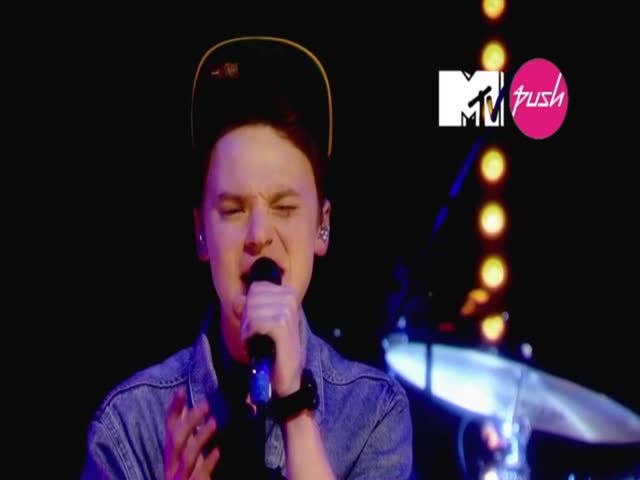 Pictures - Live (MTV PUSH Exclusive)
