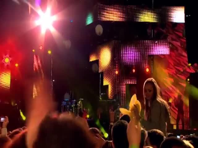 올리 머스(Olly Murs)의 Dance With Me Tonight 공연 [월드 스테이지 | 올리 머스]