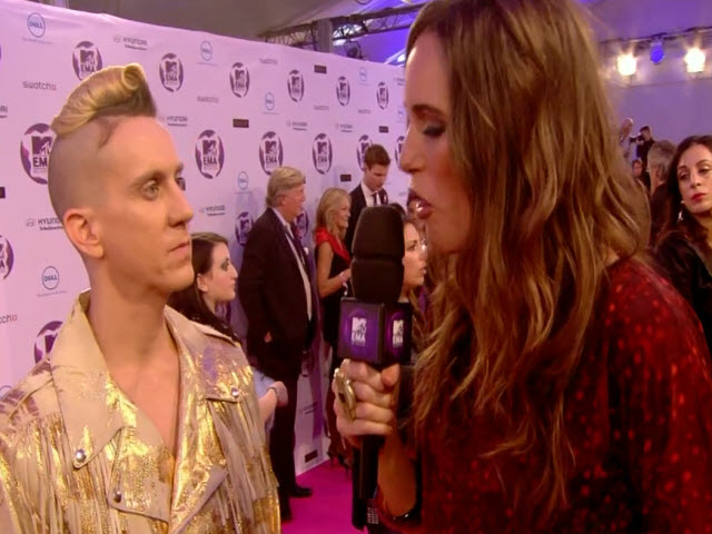 2011 EMA - Red Carpet | Part 14 | Jeremy Scott Fashion on the Red Carpet