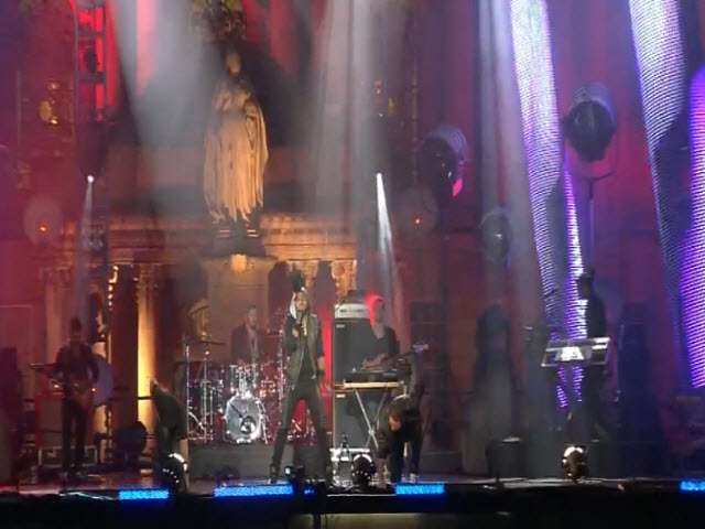 2011 EMA - Red Carpet | Part 15 | Jason Derulo &quot;It Girl / In My Head&quot;