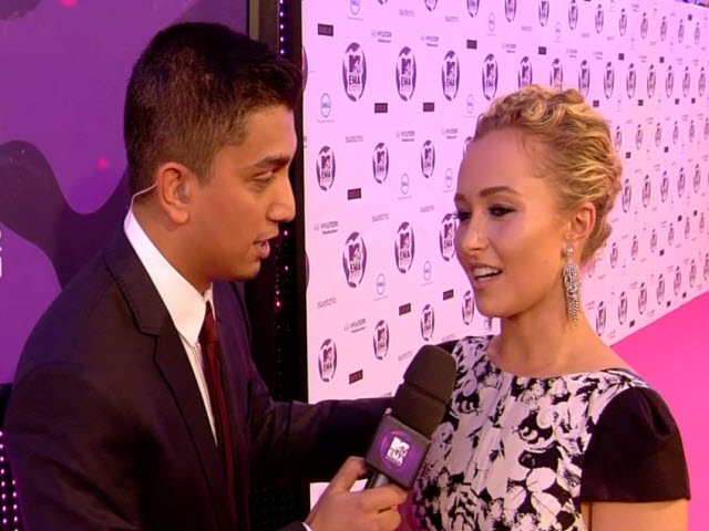 2011 EMA - Red Carpet | Part 25 | Interview w/ Hayden Panettiere