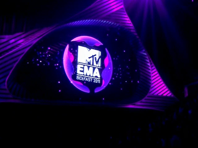 2011 EMA - Main Show | Part 11 | JOHN KEARNS VOICEOVER + TWITTER TRACKER GFX