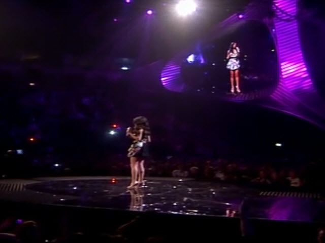 2011 EMA - Main Show | Part 16 | SELENA GOMEZ LINK 3 (SAY CHEESE + SNOW DROP)