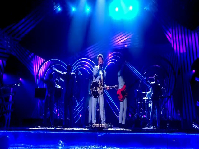 2011 EMA - Main Show | Part 21 | Performance 3: Bruno Mars 'Marry You' (Warner)