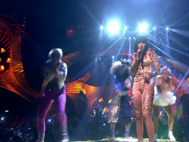 2011 EMA - Main Show | Part 32 | Performance 4: Jessie J 'Price Tag' (UMG)