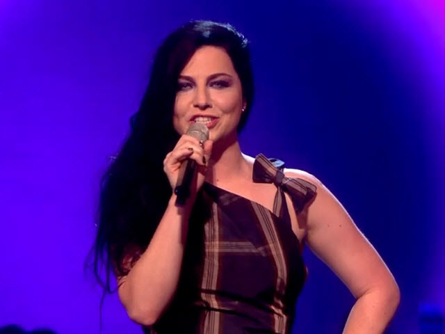 2011 EMA - Main Show | Part 39 | AMY LEE WALK ON & INTRO RHCP