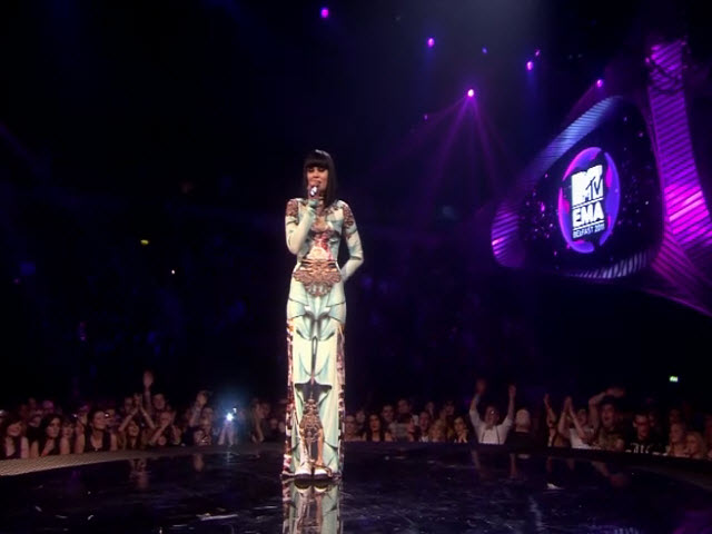2011 EMA - Main Show | Part 70 | Jessie J Introduces Amy Winehouse Tribute VT