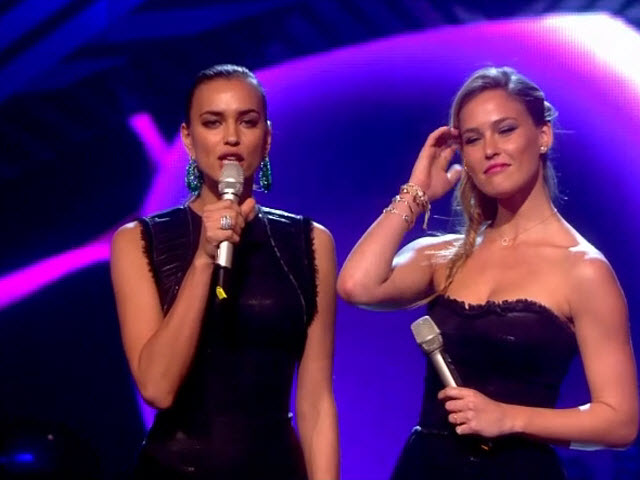 2011 EMA - Main Show | Part 82 | Bar Refaeli & Irina Shayk Introduce Award