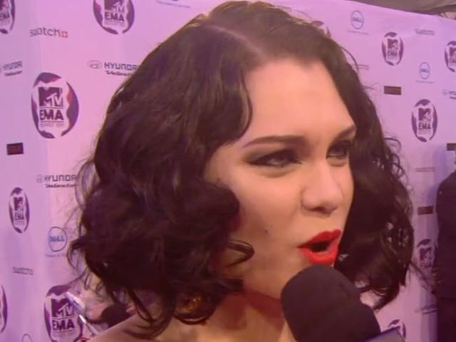 2011 EMA - Red Carpet | Part 4 | Interview w/ Jessie J