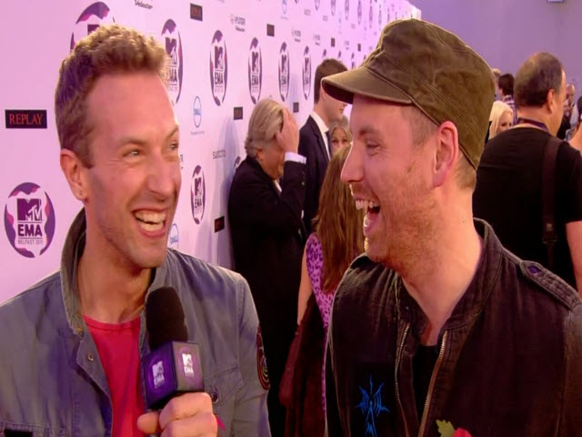 2011 EMA - Red Carpet (Part 7)