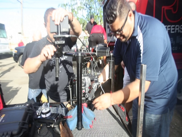 Moviendo Caderas - Behind the Scenes