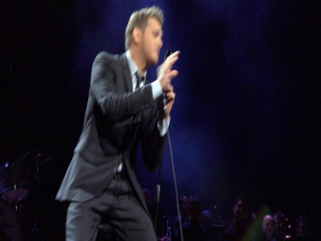 Me & Mrs. Jones [Live From Madison Square Garden] (Video)
