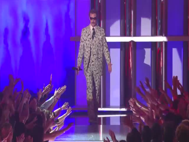 """Will Ferrell And His Dolla Dolla Billz Suit Accept The Award For Comedic Genius"""