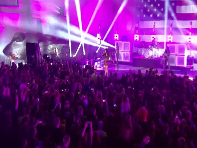 Boom Clap (Live)