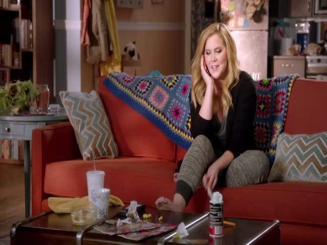 Amy percebe o quanto Ansel Elgort quer um MTV Movie Awards
