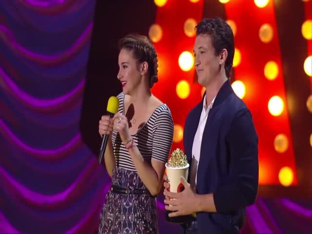 Atores são homenageados no Movie Awards 2015