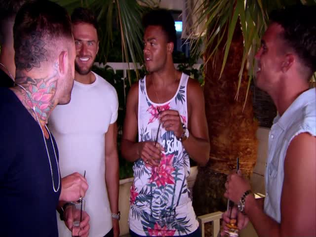 Geordie Shore S11EP06 | Time Gaz e Charlotte