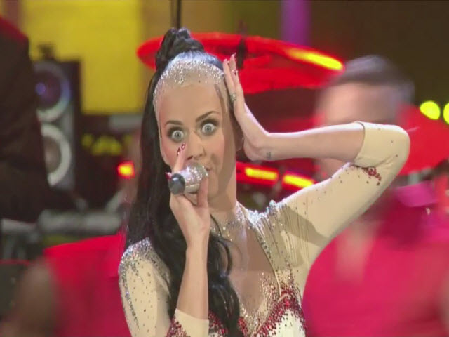 2010 EMA | Backstage (Part 4) | Katy Perry &quot;California Gurls&quot; | Live Performance