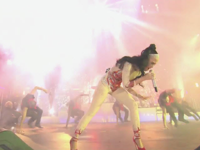 "2010 EMA | Main Show (Part 12) | Katy Perry ""Firework"" 